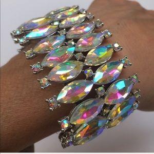 Jewelry - NWT Bling stretchy bracelet